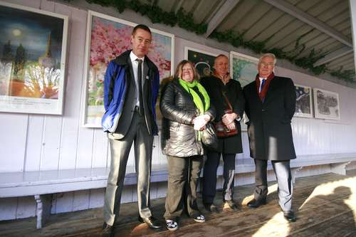 from_l_r_roy_vinnicombe_eynsford_station_manager__sally_coston__david_statham_managing_director_southeastern__sir_michael_fallon